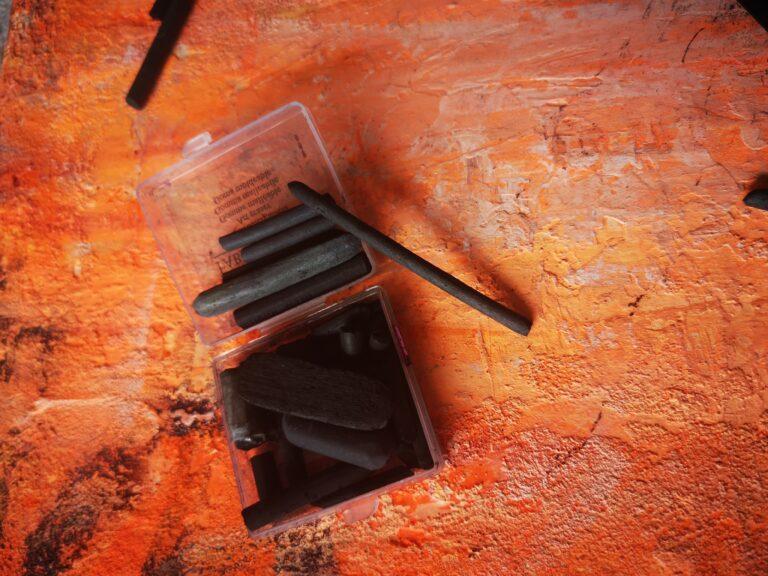 węgiel do szkicowania
